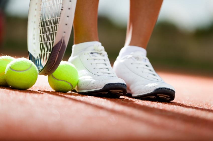 http://podologue-paris-16eme.fr/wp-content/uploads/2015/12/podologie-du-sport-tennis.jpg